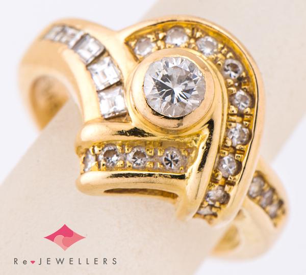 [写真]ダイヤモンド0.25ct ダイヤモンド計0.45ct 18金 リング【買取相場】