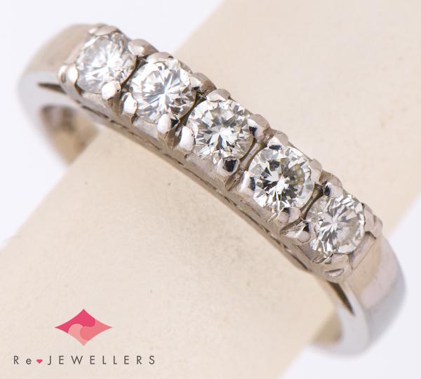 [写真]ダイヤモンド計0.56ct プラチナ リング【買取相場】