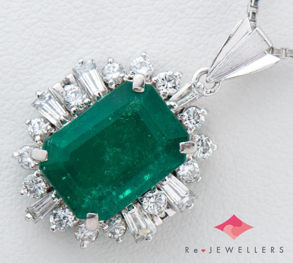 [写真]エメラルド5.78ct ダイヤモンド計0.95ct プラチナ ペンダント・ネックレス【買取相場】