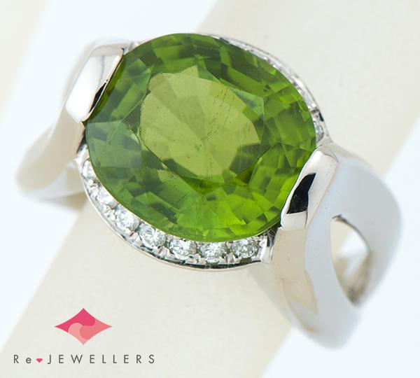 [写真]ペリドット6.80ct ダイヤモンド計0.20ct プラチナ900 リング・指輪【買取相場】