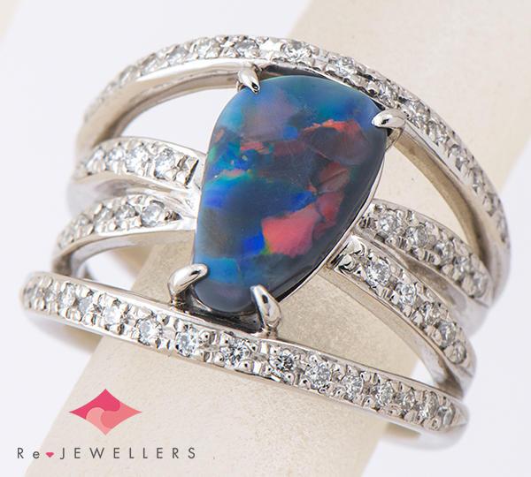 [写真]ブラックオパール1.55ct ダイヤモンド計0.40ct プラチナ900 リング・指輪【買取相場】