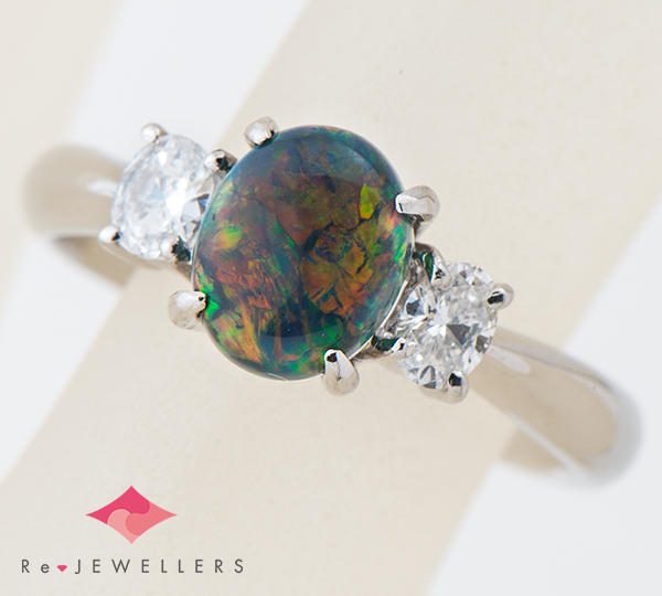 [写真]ブラックオパール1.03ct ダイヤモンド計0.33ct プラチナ900 リング【買取相場】