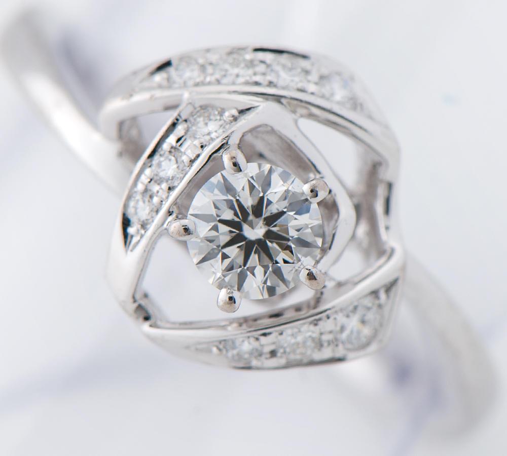 [写真]田崎真珠 ダイヤモンド0.22ct ダイヤモンド 計0.06ct K18WG リング【買取相場】