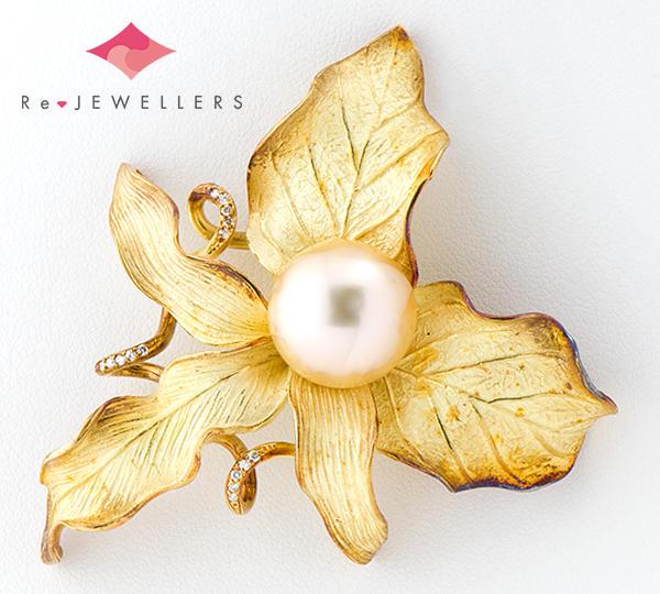 [写真]白蝶真珠約13.0mm ダイヤモンド計0.28ct 18金 ブローチ【買取相場】